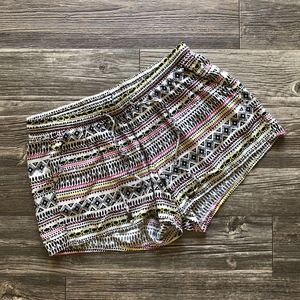 Women's Old Navy Patterned Shorts Size Small